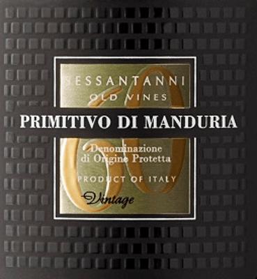 """Sessantanni Primitivo di Manduria Cantine San Marzanoje jedným z najväčších červených vín v Puglia. Sessantanni Primitivo, rasové talianske červené víno, je vinifikované z hrozna viac ako 60 rokov starých viničov a potešenie s bohatým ovocím a nádherne pikantné nuansy škorice, cedrového dreva a vanilky. Sessantanni Primitivo di Manduria Cantine San Marzano je nezabudnuteľné intenzívne červené víno z Talianska, ktoré poteší celým svojím telom. Červené víno hlboko v pohári zaujme komplexnou kyticou plnou suchých sliviek, čerešňového kompotu, ľahkého tabaku, anízu a zrelých lesných bobúľ. Vinifikácia Sessantanni Ručne zberané hrozno pre toto ušľachtilé červené víno pochádza zo 60-ročných paličiek zakorenených v neúrodných pôdach bohatých na oxid železitý. To vysvetľuje názov, pretože Sessantanni znamená """"šesťdesiatich ročných"""". Výsledkom je okrem iného oveľa nižší výnos, pretože tieto staré drvené viniče produkujú ročne len približne 3000 kg hrozna na hektár. Táto prirodzene znížená úroda zároveň umožňuje mimoriadne vysokú kvalitu jednotlivých hroznových odrôd. Scirocco, ktorý fúka zo severnej Afriky, jasne charakterizuje klimatické vinice Cantine San Marzano v južnom Taliansku. Nesie suchý vzduch, ktorý sťažuje pridávanie húb, hmyzu a hniloby do viniča, čo takmer umožňuje pestovanie podľa biologických noriem. 80% muštu sa ponecháva na kaši 18 dní pod kontrolou teploty. Zvyšných 20% na 25 dní. To vedie k optimálnej extrakcii. Kvasinky sú vínne. Po odstránení Sessantanni zreje 12 mesiacov vo francúzskych a amerických dubových sudoch. Ochutnávka/Ochutnávka Sessantanni Sessantanni Primitivo di Manduria Cantine San Marzano je čisté Primitivo, ktoré sa objavuje s hlbokou rubínovou červenou v pohári.Nos odhaľuje vôňu sušených sliviek a čerešňového džemu, ako aj náznaky sladkého korenia, ako sú klinčeky, škorica a vanilka. Na poschodí je Sessantanni dobre štruktúrovaný, plný a mäsitý s nádherne integrovanou kyslosťou a jemnými, ale charakteristickými taninami. Pri pôsobivo dl"""