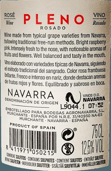 Svetloružová farba Pleno Rosado od Bodegas Agronavarra pripomína čerstvé jahody, ktoré charakterizujú aj ovocno-sviežu, príjemne voňavú kyticu. Okrem toho je možné vnímať vôňu malin a bazových kvetov, rafinovaných jemnými pikantnými nuancami balzamu a mäty. Na poschodí toto nekomplikované ružové zapôsobí množstvom šťavnatého ovocia a čerstvosti, ako aj kompaktnou štruktúrou kyslosti a jemnými taninami. Vinifikácia Pleno Rosado Mechanicky a ručne zberané hrozno Garnacha je mleté a podrobené kvaseniu s regulovanou teplotou v nerezovej nádrži. Potom sa víno niekoľko mesiacov rafinuje v nádrži a nakoniec sa naplní do fľaše. Odporúčania týkajúce sa potravín pre Agronavarra Pleno Rosado Odporúčame tento nádherný Garnacha Rosé z Navarre v severnom Španielsku so šalátmi, pizzou, cestovinami s tmavými omáčkami, grilovanými pokrmami a rybami.