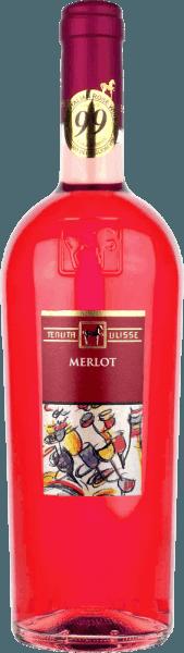 """Merlot Rosato od Tenuta Ulisse je ružové bestseller špičkových vín v Abruzzo. Prichádza do pohára so silnou malinovou červenou a inšpiruje nielen ružového priateľa, ale každého milovníka vína, ktorý má rád silné a výrazné vína. Predovšetkým do nosa prenikajú ovocné tóny zrelých malin, brusníc, jahôd a čerešní. Ovocie je doplnené kvetinovými tónmi, jemnými bylinnými koreninami a jemnými citrónovými nuancami ružového grapefruitu, kumkvátu a bergamotu. Kvetinové tóny ibišku a kríkovej ruže dokonale dopĺňajú kyticu. Na poschodí začína Ulisse Merlot Rosato animovanou ovocnou predohrou. Nádherne priľnavé, šťavnaté a s vitálnou kyslosťou sa toto talianske ružové lieta po jazyku. Sviatok pre zmysly. Niet divu, že kritický legenda Luca Maroni urobil toto víno z Ulisse časť svojho najvyššieho hodnotenia po druhýkrát. Vinifikácia Merlot Rosato Tenutou Ulisse Toto čipkované ružové auto bolo vinifikované zo 100% hrozna Merlot pestovaného okolo Crecchio v provincii Abruzzo Chieti. Vinič je tu zakorenený v piesočnatej pôde a je schopný zakopať svoje korene hlboko do podzemia už 10 - 20 rokov. Piesková pôda neumožňuje viničom príliš veľa vody, čo posilňuje hĺbku a rozsah koreňov a spôsobuje, že hrozno rastie obzvlášť intenzívne, pretože nie je tak zriedené. Po ručnom zbere hrozno okamžite príde do pivnice, rozdrví sa a 12 hodín sa maceruje za studena. Po lisovaní muštu sa uskutoční kvasenie, po ktorom nasleduje trojmesačná doba zrenia v nerezovej nádrži. Odporúčané jedlo pre Ulisse Merlot Rosato Vychutnajte si toto vynikajúce ružové víno z Abruzza s grilovanými rybami, ľahkými hydinovými pokrmami a morskými plodmi. Ocenenia pre Ulisse Merlot Rosato Luca Maroni: 99 Body za rok 2018 -""""Jeden z najlepších ružových vôbec"""" Luca Maroni: 99 Body za rok 2017"""