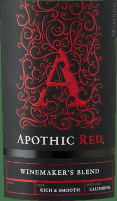 Cieľom vinárov, ktorí stoja za stránkou Apothic Wines, je vytvárať vína s charakterom, ktoré zároveň oslovia široké masy. Vinohradníčka Debbie Juergensonová sa na tento účel spolieha na osobitosti jednotlivých druhov hrozna, ktoré sú súčasťou apotéckych vín. Dnes teda vytvorili výnimočné cuvees Apothic Red a Dark, jedno ovocné, druhé skôr trpké. Gotický pôvab etikiet, ktorý odkazuje na temný a tajomný stredovek, dodáva vínam ďalší jedinečný predajný argument. Ideálny spoločník na historický večer alebo na ďalší strašidelný film! Apothic Red z Apothic Wines z Kalifornie ponúka jasnú, karmínovo červenú farbu vo vírivom pohári. Toto červené víno z USA, naliate do pohára na červené víno, ponúka nádherne voňavú vôňu čiernych čerešní, moruše, slivky a čučoriedok, ktorú dopĺňa škorica, vanilka a orientálne korenie. Apothic Wines Apothic Red nám ukazuje neuveriteľne ovocné podnebie, čo nie je bezdôvodné vzhľadom na jeho chuťový profil zvyškovej sladkosti. Na jazyku sa toto vyvážené červené víno vyznačuje neuveriteľne hustou textúrou. Vďaka vyváženej ovocnej kyslosti Apothic Red lichotí chuťovým pohárikom zamatovým pocitom bez toho, aby mu zároveň chýbala sviežosť. Finále tohto mladého červeného vína z vinárskej oblasti Kalifornie nakoniec presvedčí dobrým dozvukom. Vinifikácia Apothic Wines Apothic Red Vyvážené červené Apothic Red z USA je cuvée vyrobené z odrôd Cabernet Sauvignon, Merlot, Primitivo a Shiraz. Po ručnom zbere sa hrozno okamžite odvezie do vinárstva. Tu sú vybrané a starostlivo rozdelené. Nasleduje fermentácia v nádržiach z nehrdzavejúcej ocele pri kontrolovaných teplotách. Po ukončení kvasenia môže Apothic Red niekoľko mesiacov harmonizovať na jemných kaloch. Odporúčanie pre Apothic Wines Apothic Red Toto americké červené víno si najlepšie vychutnáte pri teplote 15 - 18 °C. Výborne sa hodí ako príloha k teľaciemu varenému hovädziemu mäsu s fazuľou a paradajkami, osso buco alebo k tortille s pórom. Ocenenia pre Apothic Red od Apothic Wines Okrem veľmi dobrého
