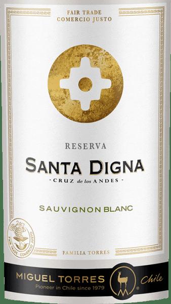 Rezervácia Santa Digna Sauvignon Blanc od Miguela Torresa Chile je čerstvé biele víno z regiónu Valle Central v Čile. V pohári sa toto víno objavujev bledožltej lesklej farbe so zelenými zvýrazneniami Extrémne čerstvá kytica obsahuje čierne ríbezle, ríbezle a kvety Cassis, ako aj arómy manga, citrusov a vápna, zelené egreše a jemné bylinky. Na čerstvom poschodí sa toto čílske biele víno odhaľuje s nádhernou rovnováhou medzi živou kyslosťou, šťavnatým ovocím a aromatickou sviežosťou. Elegantné ozveny odhaľujú aj množstvo čerstvého ovocia z čiernych ríbezlí. V Čile sa križovatka, ktorá znamenala prechod z mestských do vidieckych oblastí, nazývala Santa Digna. Konali ako akýsi hraničný kameň, ktorý predstavoval symbol rastu a prosperity a sľúbil všetku ochranu, ktorá sa pohybovala z jednej oblasti do druhej. Odporúčanie jedla pre Santa Digna Sauvignon Blanc Reserva Vychutnajte si toto suché biele víno z Čile so všetkými druhmi jedál ázijskej kuchyne alebo s pečenými rybami a kuracím čerstvým chlebom. Ale tiež dobre vychladené ako aperitív, toto víno je potešenie.