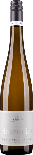 """Šedé Burgundsko zo série """"One to One"""" vinárstva A. Diehl sa prezentuje v krásnej bielej zlatej farbe v pohári. Toto odrodové palatinátové biele víno zaujme ovocnou, šumivou a minerálnou kyticou plnou zrelých hrušiek a jabĺk, doplnenou jemnými orechovými tónmi a minerálnymi podtónmi. Na poschodí začína Pinot Gris jeden ku jednému svieži, ovocný a nádherne roztavený. Ovocná kyslosť a zvyšková sladkosť sú výborne zladené a dávajú tomuto palatinátu výklad Pinot Grigio veľa pitnej sily. Vo finále Grey Burgundy A. Diehla ponúka veľký tlak, veľa taveniny a povrchovú úpravu z minerálov. Vinifikácia A. Diehla Grauera Burgundsko 1: 1 Ako zvyčajne vo vinárskej sérii One to One, tento šedý Burgundsko je tiež vyvinutý Andreas Diehl absolútne odrody. Vinifikácia sa uskutočňuje v nádrži z nehrdzavejúcej ocele tak, aby víno odrážalo svoj charakter odrody hrozna v pohári tak, ako je to možné. Keďže rodina Diehltovcov vinifikuje váš Grey Burgundy ako víno vlády, akékoľvek """"triky"""", ako je vyzdvihnutie muštov alebo podobne, sú zo zákona zakázané. A tak sa A. Diehl dobrovoľne zaväzuje k ešte vyššej kvalite. Jeho žena Alexandra-Isabell Diehl to zhrnula. """"Naše """"one-to-one"""" vína nepochybne odhaľujú odrodu hrozna a vinohrad, ale aj podnebie a rozhodnutia celého vinárskeho roka. Autentické a nezameniteľné. """"Odporúčanie jedla pre Grey Burgundy jeden ku jednému Odporúčame Grauer Burgunder od A. Diehla so špargľou s maslovými omáčkami, teľacím terrine alebo so stolom."""