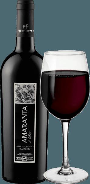 AMARANTA di Ulisse Montepulciano d 'Abruzzo DOC z Tenuty Ulisse je cru. Toto silné talianske červené víno tečie do pohára vo veľmi plnom a elegantnom rubínovom červenom. Na nose ukazuje veľmi zložité a veľkorysé vône s nádhernými náznakmi sliviek a čerešňového džemu. Tieto ovocné arómy sú sprevádzané nuansami tabaku a korenistou dochuťou. Na poschodí je toto pôsobivé Montepulciano d 'Abruzzo krásne vyvážené a komplexné s príjemnými, dokonalými taninami dobre integrovanými do štruktúry. Bohaté a silné červené víno je skutočným potešením s vynikajúcim vyváženým alkoholickým potenciálom. S dlhým, teplým a bohatým povrchom, Amaranta presvedčí cez palubu. Víno nespornej triedy, nádherná pocta plná lásky a úcty k najdôležitejšiemu červenému hroznu z Abruzza. AMARANTA di Ulisse, rovnako ako ostatné vína Tenuta Ulisse, je pozoruhodný pre svoju vynikajúcu hodnotu za peniaze. Vinifikácia Amaranta di Ulisse Tenutou Ulisse Hrozno pre toto Cru Montepulciano d 'Abruzzo rastie vo veľmi starých vinohradoch na rovnako starých viničoch, ktoré boli schopné vykopať svoje korene vo vápenatej, jemnej hlinenej pôde v priemere 30 - 35 rokov. Veľmi teplé prostredie a nízke zrážky, ako aj silné výkyvy medzi dennou a nočnou teplotou zabezpečujú, že hrozno môže dobre zreť, ale nestráca svoju kyslosť. Po vysoko selektívnom ručnom zbere sa časť zberu prezrela pre Amarantu, hrozno sa rozbije vo vinárstve Tenuta Ulisse, rozmačká a mušt sa fermentuje spôsobom kontrolovaným teplotou. Potom Amaranta zreje 9 až 12 mesiacov vo vysokokvalitných francúzskych a amerických dubových barikádach. Domorodá odroda hrozna Montepulciano d 'Abruzzo zažila v posledných rokoch skutočnú renesanciu. Až dodnes neviete veľa o pôvode tohto tmavého hrozna. Dlho sa to pripisovalo skupine klonov Sangiovese. Dnes je však isté, že ide o úplne autonómnu pôvodnú odrodu hrozna. Pestuje sa najmä v regióne Abruzzo a v ostatných regiónoch stredného a južného Talianska. Vďaka niektorým výrobcom a enológom a ich usilovnej práci, hroz